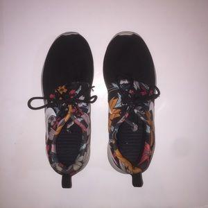Nike Roshe Aloha Pack
